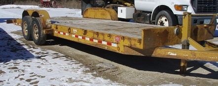 Where to find Trailer, Equipment B B 2005 flatbed in Fort Madison