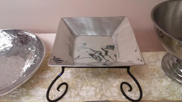 Where to find Square Serving Dish - Metal in Fort Madison